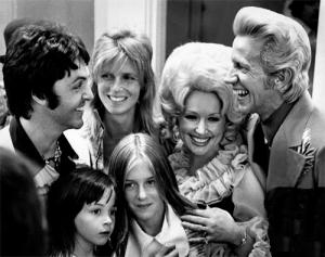 De familie McCartney bij Dolly en Porter.