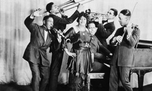 Mamie Smith & The Jazz Hounds